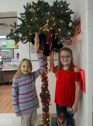 SLES Sock and MItten Tree